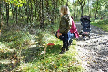 ize en oma met paddenstoel