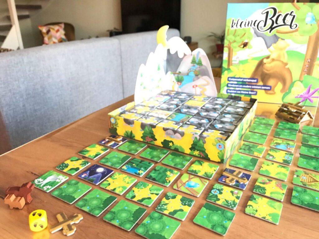 uit het bos start het coöperatieve spel Kleine Beer van Sunny Games mamazetkoers-